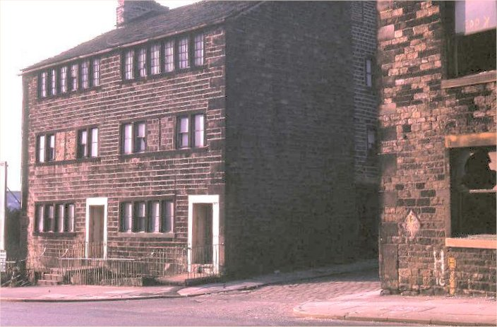 Halifax Road at Buckley Lane Occupants in 1930s: Reeves (left), Ratcliffe (right) Ashworth (adjoining at 1 Buckley Lane)
